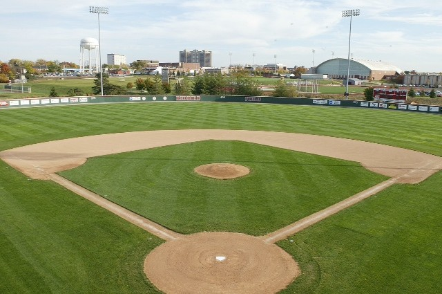 Free admission for all baseball, softball games in 2013