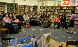 SWU doctoral students visit Thomas Metcalf School library