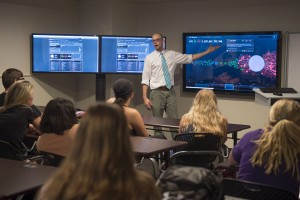 Illinois State launches Social Media Analytics Command Center article thumbnail