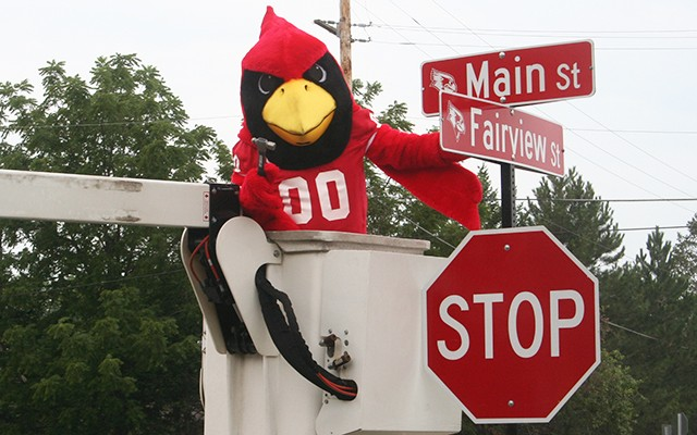 Town-gown street signs boost Redbird pride across Normal