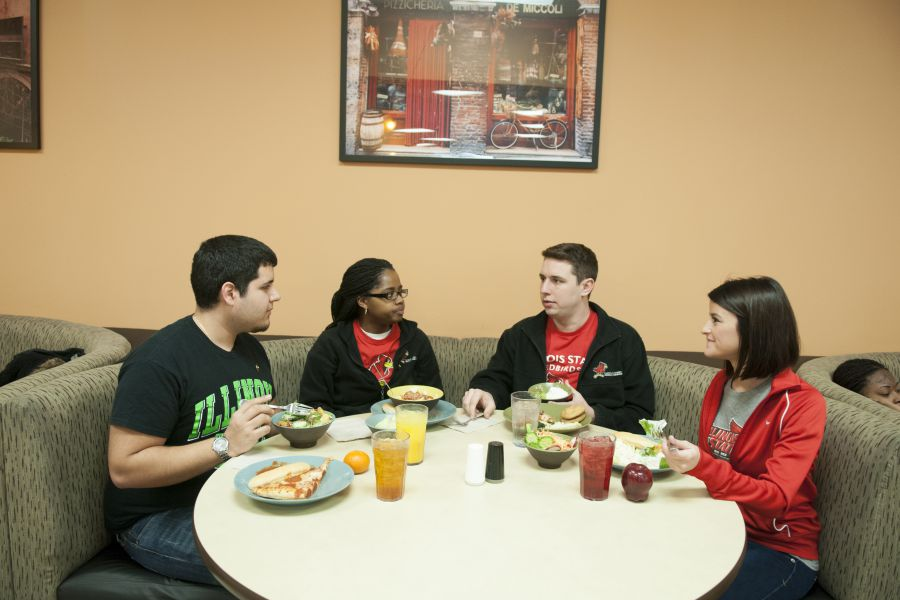 Dining centers several campus restaurants to go cash free for Watterson dining