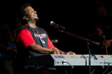 Craig Robinson performs at Braden