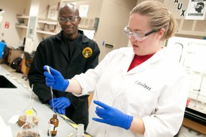 image of faculty and student in chemistry lab