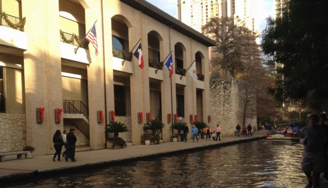 Illinois State middle level education major Amy Wieting takes a photo of the Riverwalk while exploring San Antonio during her student teaching semester in the Lone Star State.