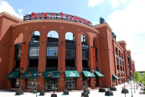 Root for favorite team at Cardinals-Cubs game article thumbnail