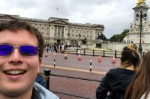 Illinois State sophomore Alex Plumadore at Buckingham Palace.