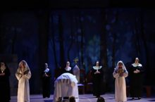 Scene from the 2016 season performance of Dialogues of the Carmelites