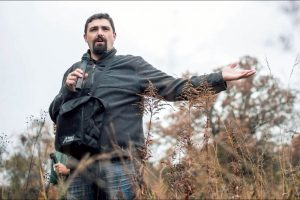 Modern-day plant explorer, grassland conservationist Dwayne Estes to speak, October 17 article thumbnail