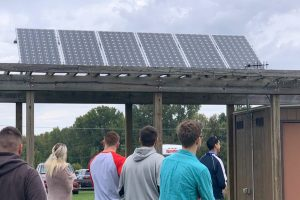 Sustainable and renewable energy students tour Horticultural Center article thumbnail