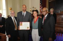 Radiance Campbell receives Lincoln Laureate award