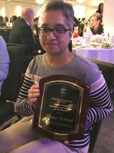 Illinois State alumna Pushpa Winbush, receives ISPA Practitioner of the Year Award.